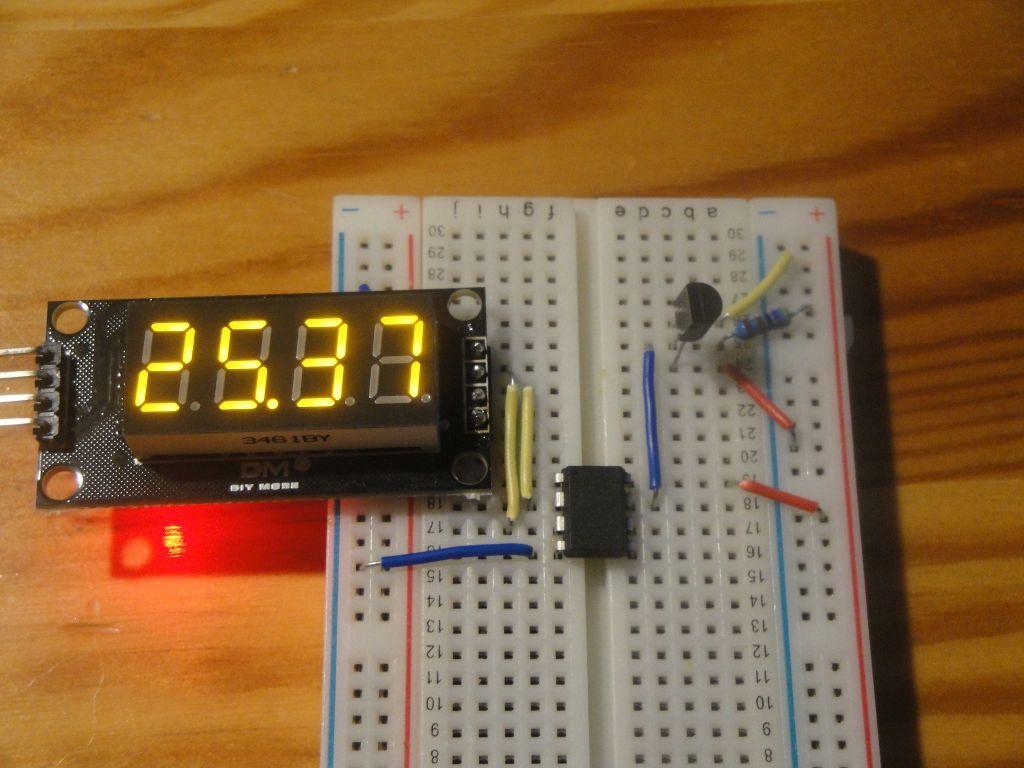 Arduino Slovakia - ATtiny85 - DS18B20 Thermometer